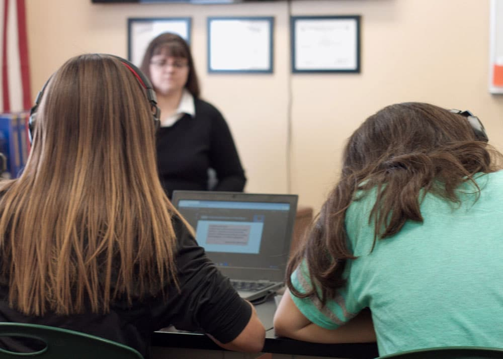 Discovery-Ranch-For-Girls-Blended-Learning-with-Computers